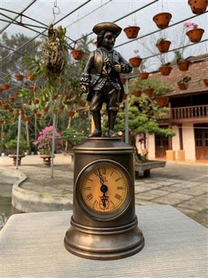 dong-ho-chang-linh-ngu-lam-1889